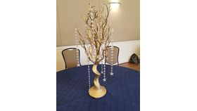 Image of a Gold Manzanita Tree with Crystals Centerpieces