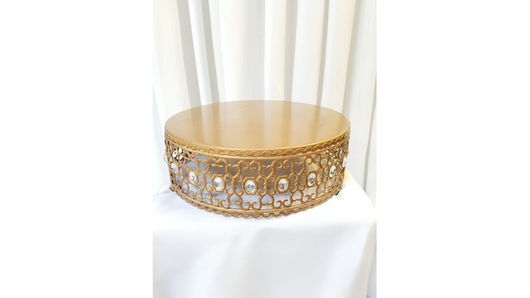 """Picture of a 12"""" Gold Cake Stand w/Diamonds"""