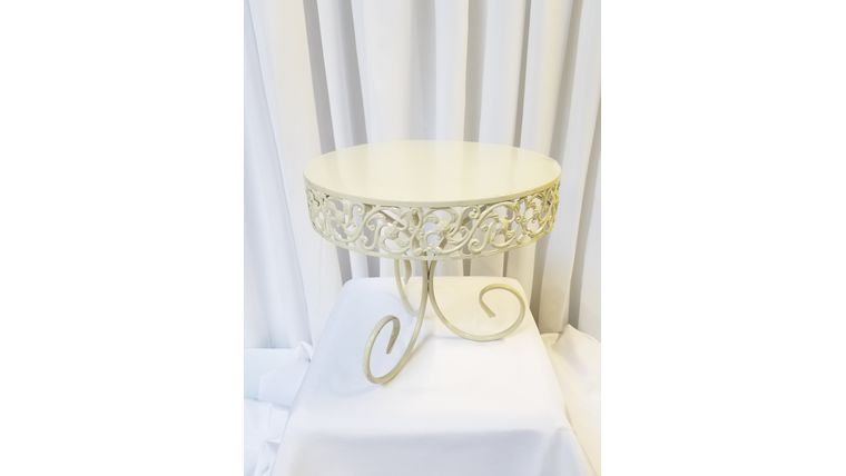 """Picture of a 10"""" Ivory 3Leg Swirls Cake Stand"""