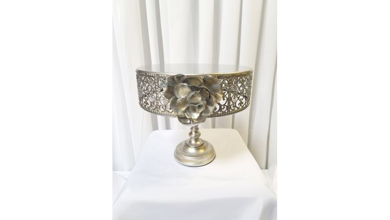 "Picture of a 11"" Silver w/Rose cake stand"