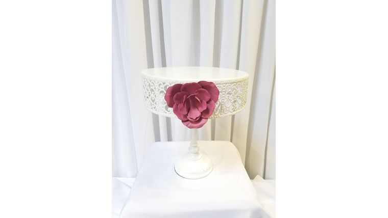"""Picture of a 11"""" White  w/Pink Rose Cake Stand"""