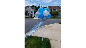 """11""""  Topiary Stands w/Streamers on 5ft Pole image"""