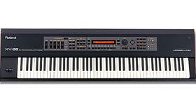 Image of a Roland XV-88 Keyboard