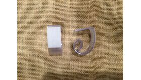 """Image of a 1.5x2.25"""" Plastic Table Clip Skirt"""