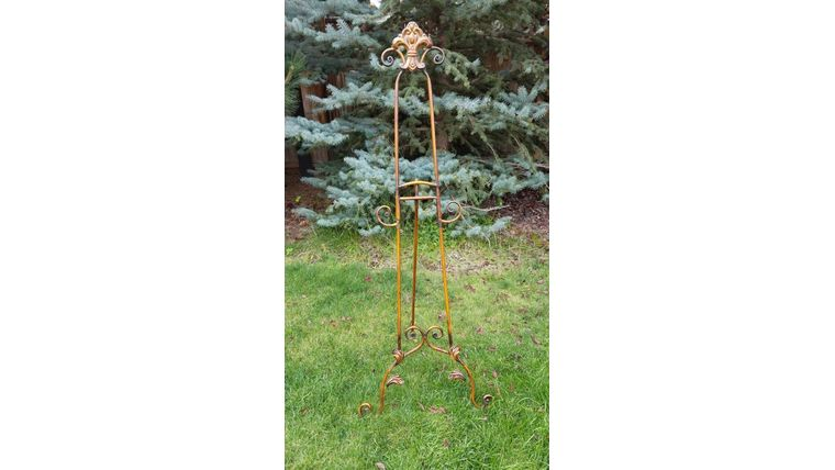 Picture of a Bronze Floor Easel