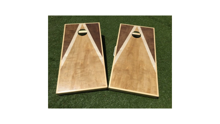 Picture of a Cornhole Board and Bags