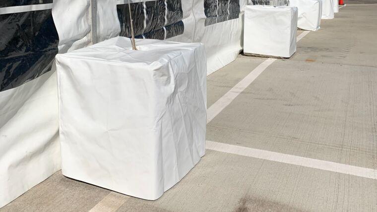 Picture of a Concrete Block W/ Cover - 250#
