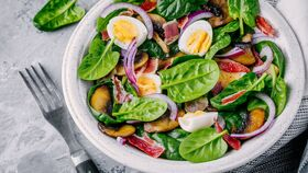Image of a Medium Spinach Salad Purchase (Serves 25)