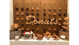 Image of a 8' x 8' Wood Donut Wall