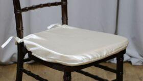Image of a White Chiavari Envelope Cover Cushions