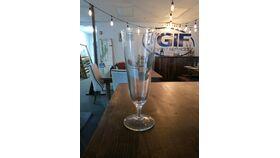 Image of a Footed pilsner glass 10 oz  (  beige rack )