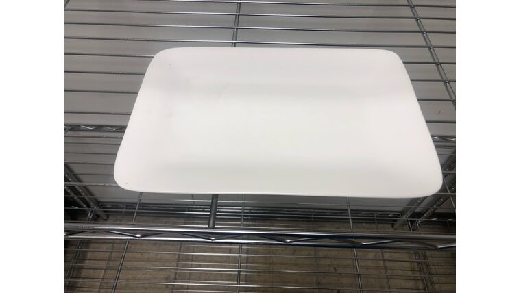 Picture of a 10 x 7 white ceramic platter