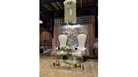 Image of a Gold Glam Sweetheart Table