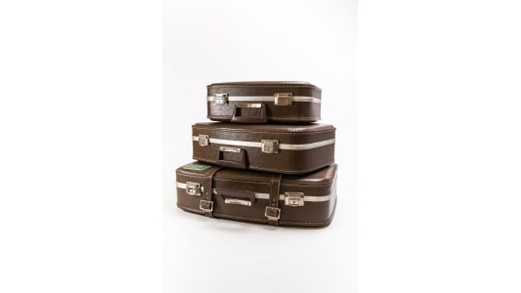 Picture of a 3 Tier Luggage Card Box