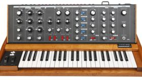 Image of a Moog Voyager Synthesizer