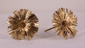Image of a Gold Flower Pod 2 on a Pick