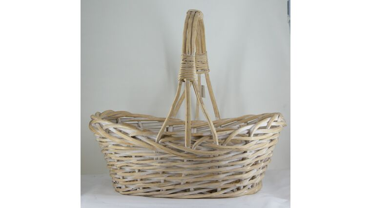 """Picture of a 19"""" Oval Off White Wicker Basket"""