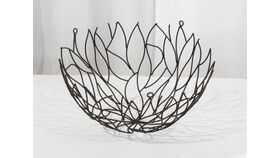 "Image of a Metal Open Leaf Design Hanging Basket/ Bowl 7""h x 13""diam"