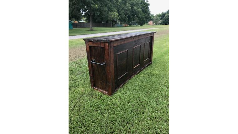 Picture of a 8' Wooden Bar Rental