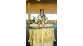 Image of a Table Lady - Hawaiian Luau