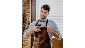 Image of a Bar Artist