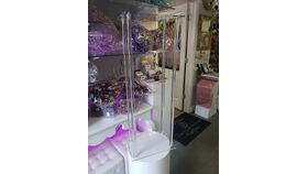 Image of a Cake Stand Clear Acrylic Square