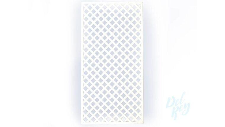 Picture of a 4x8 White Trellis