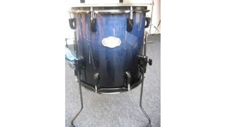 """Picture of a Drum, Pearl Floor Tom drum, 18"""""""