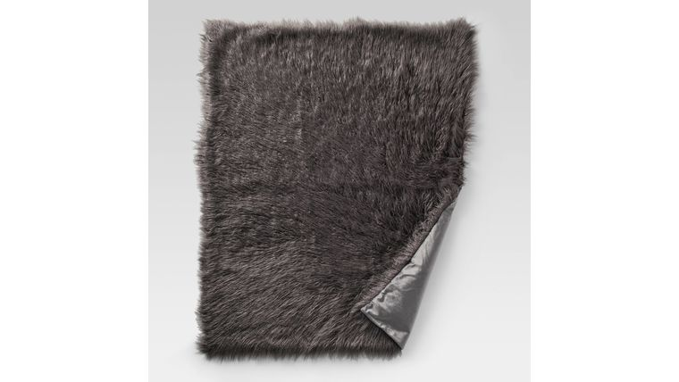 Picture of a Brown Fur Throw (faux)