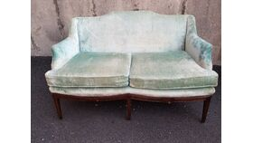 Image of a Minty Settee