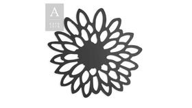 Image of a Zinnia Die-Cut Charger Plate Black