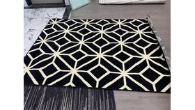 Image of a Black & White Geometric 5'x8' (2019-33)