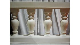 "Image of a 29"" White Pillar Wall"
