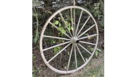 Image of a White Wagon Wheel